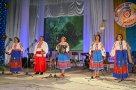 Милиция с народом. Виктория Коваленко (с гармонью) и ее семья представляют сумскую милицию на фестивалях народной музыки.